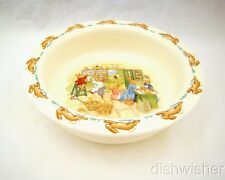 """Royal Doulton BUNNYKINS Baby Plate Shopping in Country Store 6 1/4"""" x 1 5/8"""" EXC"""