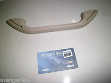 LAND ROVER DISCOVERY TD5 INNER NEARSIDE REAR ROOF HANDLE WITH COAT HOOK CREAM 12