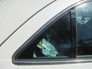 LINCOLN LS 2000 2001 2002 RIGHT REAR DOOR VENT GLASS