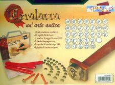 CARTOLERIA CERALACCA -  Kit valigetta Ceralacca con sigilli lettere iniziali