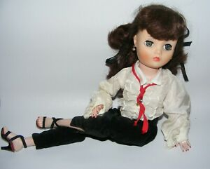 """Vintage Uneeda 19"""" Dollikin doll 2S with long brown hair Gorgeous!"""