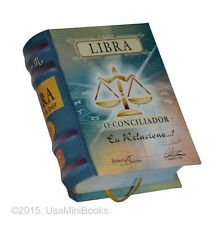 Libra, O conciliador signo do zodíaco miniature book in portuguese easy tbo read