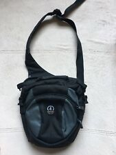 Tamrac Velocity 7X Camera Bag, Black, Sling Shoulder Messenger Bag Style, NWOT