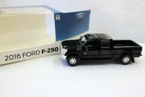 2016 Ford F-250 Dually Lariat Pickup Truck 1:64 Scale Diecast Model Opened doors
