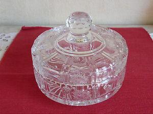 Bonbonnière ou Drageoirs sur Pied en Cristal Avec couvercle (391042)