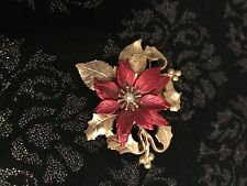 Red Pointsettia Pin Warm Gold Tone Christmas Brooch Signed KC