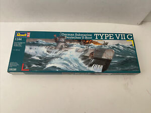 NEW! Revell 1/72 German Submarine Deutsches U-boat VIIC Wolf Pack U-Boot