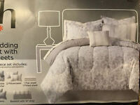 Home Expressions Ellis 8 Piece Full Bedding Set Comforter Sheets White Floral