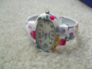 Vintage Trendz  Flower Theme Band Womens Bracelet  Watch