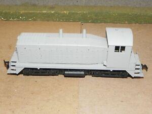 Life Like P2K HO Undecorated SW8/9 Powered Locomotive RUNS WELL