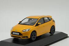 Rare !! Ford Focus ST 2011 Orange Minichamps 1/43