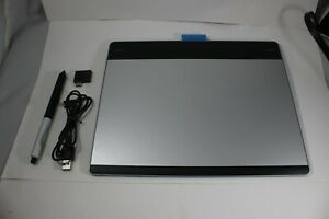 Wacom Intuos Pen & Touch Small Tablet Model with Pen CTH-480 - FAST SHIPPING
