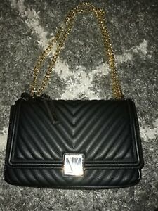 Victoria's Secret v quilted shoulder bag new black logo with mini mirror
