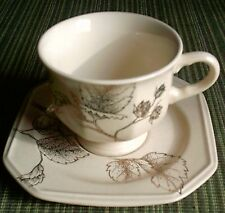 Mikasa - Gold Brocade (Qty 1) cup & saucer # F3029 / Mint- condition
