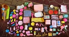 Enorme lotto di MATTEL Barbie accessori c2001 Inc McDonald's Doll & lettino