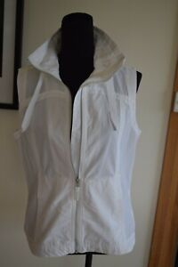 Columbia white , sleeveless vest...white...size M...excellent condition