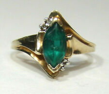 10KT YELLOW GOLD AND EMERALD RING, SIZE 7