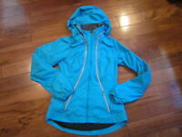 LULULEMON RECORD BREAKER JACKET in SNORKEL BLUE SIZE 4 REFLECTIVE stowable hood