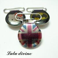 1 Pince bretelle, Attache tétine & doudou métal drapeau London Londres