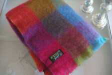 John Hanly Irland Mohairdecke Wolldecke Farbe Pink Flieder Blau Ocker Grün Bunt