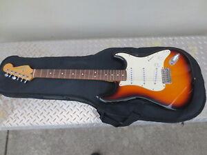 1998 Fender Stratocaster, Brown Sunburst (w/ Fender Gig Bag) MIM