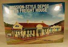 Walthers #933-2924 Mission-Style Dpt W/Frt House Structure Kit 1/87 HO Scale