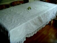 GORGEOUS VINTAGE HAND EMBROIDERED WHITEWORK FLORAL TABLECLOTH BEDSPREAD LACE