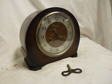 VINTAGE 1950'S SMITHS ENFIELD OAK CASE MANTLE CLOCK WITH KEY AND CHIME, WORKING