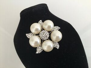 1980s Vintage Big Pearl & Diamanté Silver Flower Brooch Pin Costume Jewellery CC