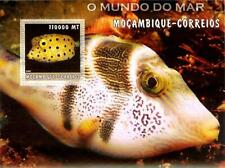 Mozambique - 2002 Fish on Stamps - Stamp Souvenir Sheet 1677