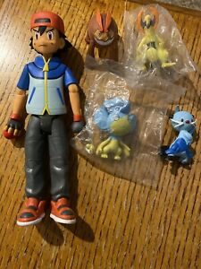 2011 Jakks Pokemon  Action Figure Plus 4 Figures- Collectibles