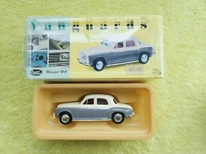 Vanguards 1/43 Scale Model Car VA19008 - Rover P4 - Ivory / Grey