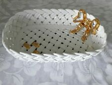 CAPODIMONTE PORCELAIN WHITE WOVEN BASKET/GOLD BOW.  MADE IN ITALY.