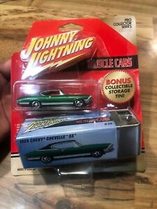 Johnny Lightning Pro Collector Series with Tin 1968 Chevy Chevelle SS - Green