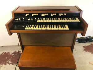 Hammond Organ - L100