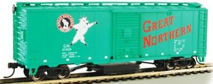 HO Scale - GREAT NORTHERN  #27429 - TRACK-CLEANING 40' BOX CAR - BAC-16321 A