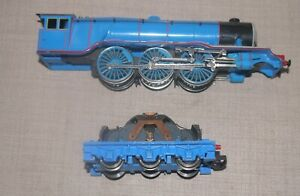 HORNBY OO GAUGE GORDAN THE ENGINE WITH TENDER CHASSIS