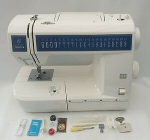 TOYOTA AUTOMATIC Sewing Machine + Accessories