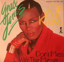 "Grace Jones - On Your Knees & Don't Mess With The Knife 7 "" Single (F1141)"