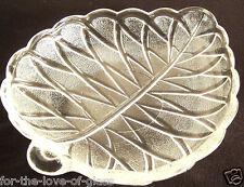 """Crystal  Frosted Pretzel Olive 7"""" Leaf-Shaped Plate"""