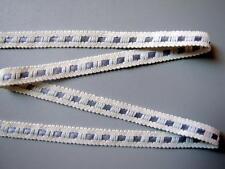 DENTELLE ancienne, écru avec ruban satin gris, AU METRE, larg. 10 mm  réf 32/2