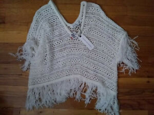 NWT Cupcakes and Cashmere Ivory Knit Poncho XS Adorable!!