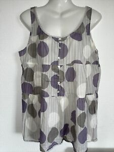 Beautiful, nice quality top by Soft Grey. Size 12. Worn once briefly