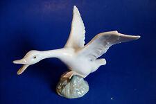 Lovely Vintage Lladro Porcelain Swan Figurine *Chasing* Made in Spain