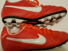 NIKE Kids unisex Soccer Cleats Size 3 To 5 Red/White Shoes Preowned 5090835-618