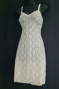 BEAUTIFUL SHEER CHAMPAGNE LACE Vintage 1940s NYLON FULL SLIP / NEGLIGEE -sz 36