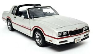 Ertl 1/18 Chevrolet Monte Carlo SS 1985 Silver Diecast Model Car American Muscle