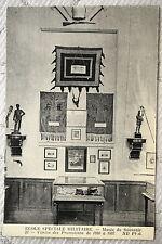 """CPA """" ECOLE SPECIALE MILITAIRE - Musée du Souvenir - Vitrine des Promotions"""