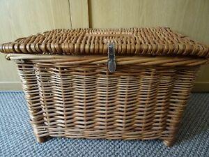 Wicker Basket / Picnic Hamper / Storage Basket - Integrated Handle - L49cm/W35cm