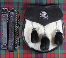 Neuf Écossais Robe Badge Lapin Blanc Escarcelle avec Noir Pompons -